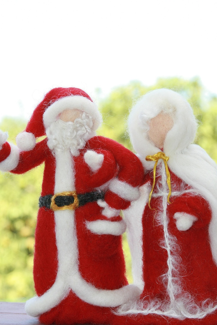 Needle Felted Santa and Mrs. Claus-