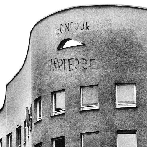"""bonjour tristesse"" . schlesisches tor, kreuzberg, berlin . alvaro siza . 1983"