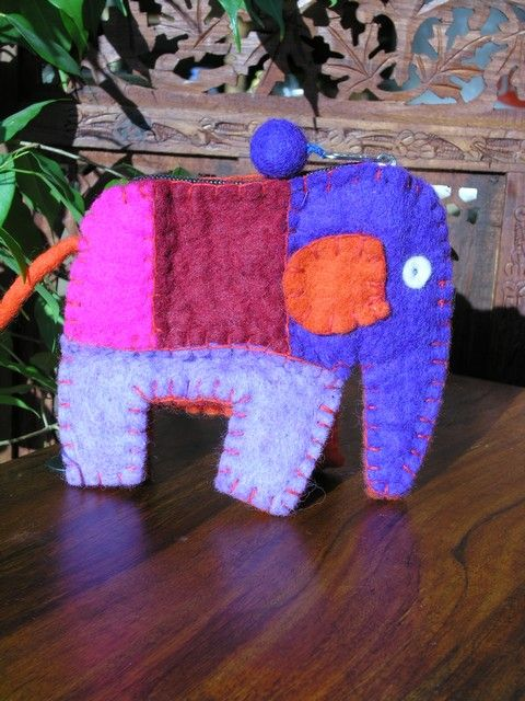 Elephant felt purse. http://www.maroque.co.uk/showitem.aspx?id=ENT05135&p=06506&n=all