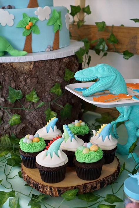 Totally Roarsome Dinosaur Inspired Birthday Party Cupcakes on Pretty My Party