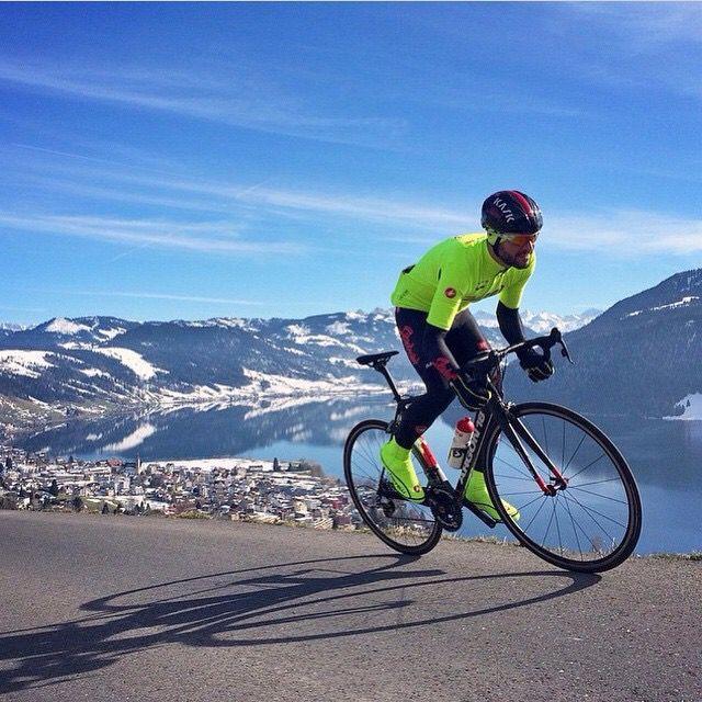 Amo iniziare la settimana con la #bici : fuori veloce al mattino prima del lavoro, l'aria fresca sulle colline tra silenzio e profumi di primavera  La #bicicletta e' pura vita   #PersonalTrainer #Bologna #sport #allenamento #bdc #ciclismo