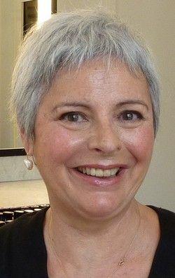 exemple coupe courte femme 50 ans cheveux gris cheveux blancs pinterest coiffures coupe. Black Bedroom Furniture Sets. Home Design Ideas
