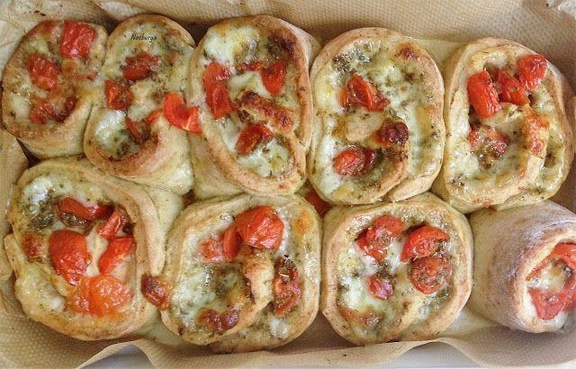 Notburga konyhája: Pizza tekercs/Pizzarollen