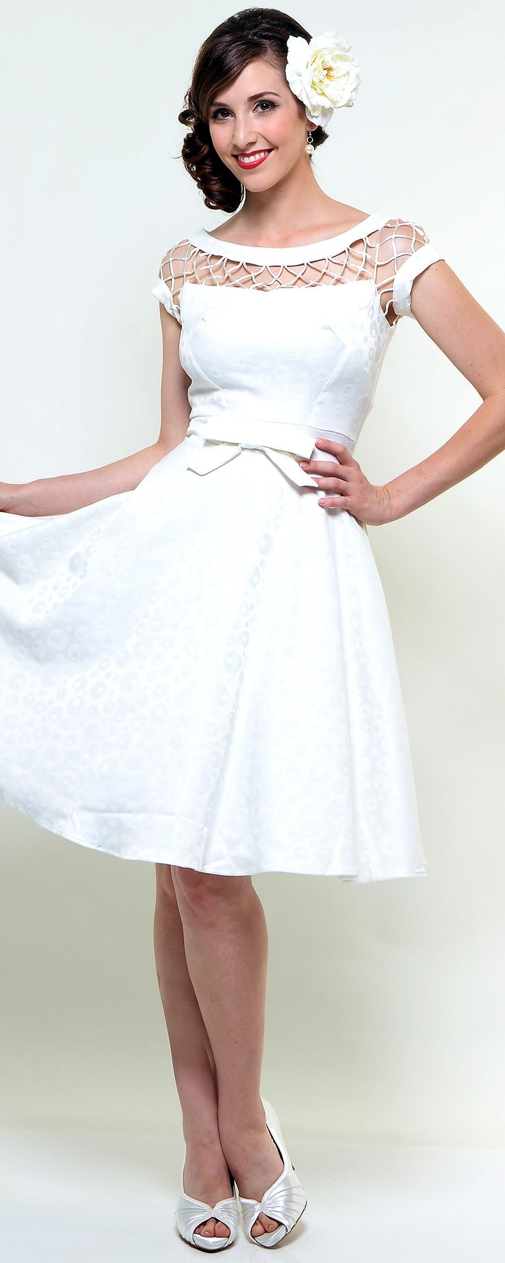 Off white alika circle skirt dress unique vintage this for Circle skirt wedding dress