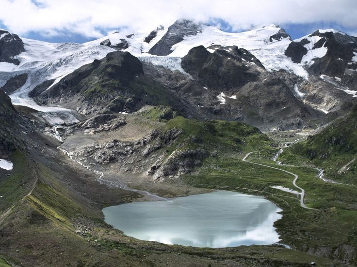 Melting glaciers caught in incredible time-lapse photographs show climate change in action  Melting glaciers, from Greenland to Antarctica, have become symbols of global warming — and monitoring their retreat is one major way scientists are keeping tabs on the progress of climate change.