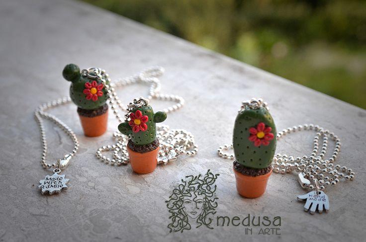 Collane in Fimo. Cactus. Info: medusainarte@gmail.com