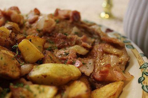 Costeletas a moda do Minho-Portuguese Pork Chops and Potatoes
