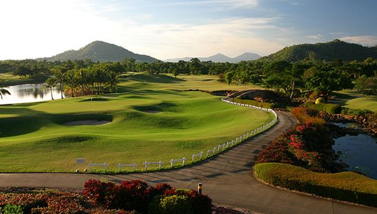 Located on the Northern Beaches of Cairns & surrounded by spectacular golf course & hinterland views, you can enjoy 4 nights for 2 in a resort room at The Paradise Palms Resort! This offer includes 18 holes of golf each per day in a motorised cart. Normally $1,708, this offer just $759. Don't miss out on this opportunity to save 56%! #golf #golfqld