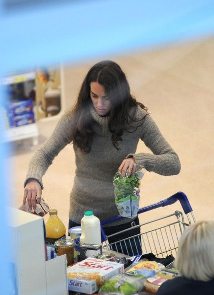 11/22/2011: Grocery shopping at Tesco Supermarket (Holyhead, Anglesey, Wales)