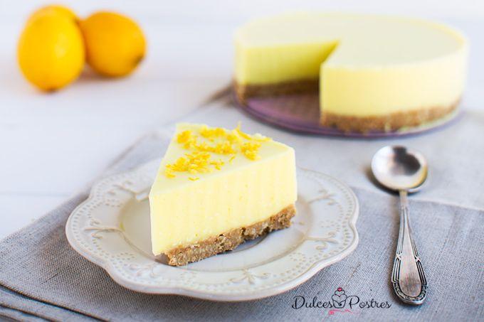 Tarta de limón fría. Una receta muy fácil de hacer y con pocos ingredientes. Original y refrescante, una tarta de limón genial.