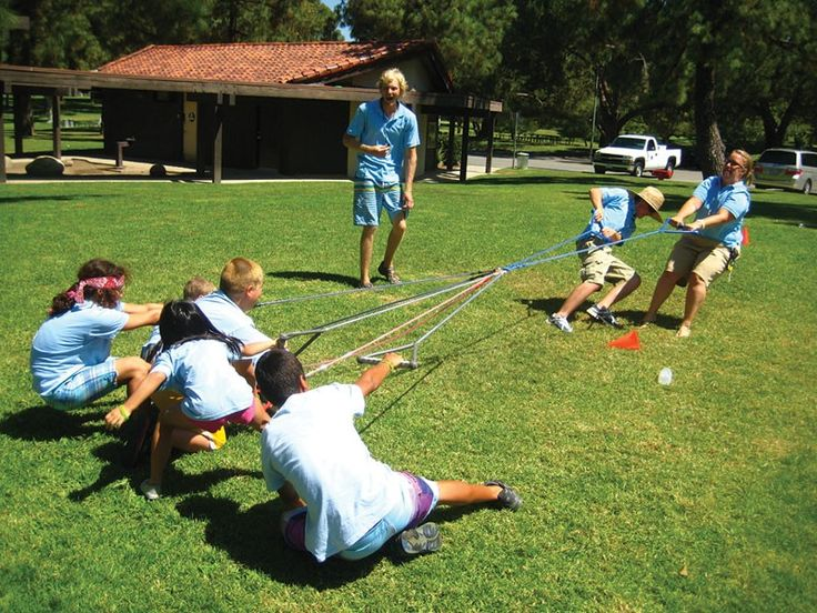 Make tug of war even more fun! Use the 8 handles of the Oct-O-Pull® for a variety of tug of war games. Play 2-way tug of war (using 4 handles per team), 4-way tug of war (using 2 handles per team), or 8-way tug of war. Play 2 or 3 larger persons against 3, 4, 5 or 6 smaller persons. Use to create team building activities. Tug in as many as 8 directions! Dozens of participant combinations available!