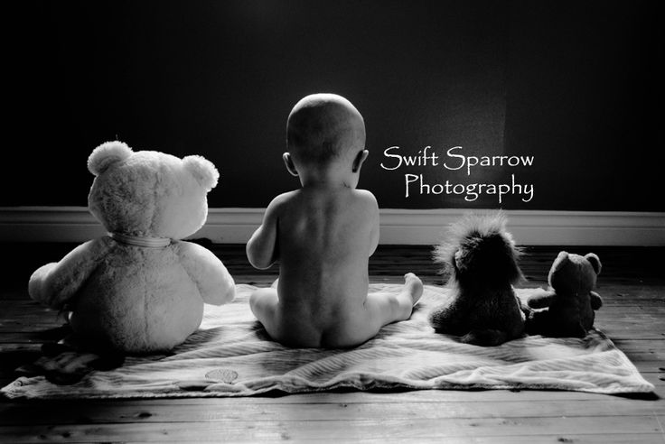 9 month old baby photo idea: Hanging with the teddies. | Swift Sparrow Photography