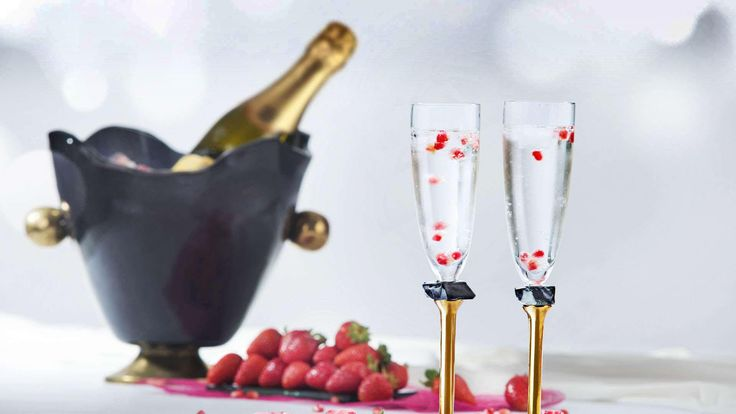Combination of ice bucket and chamgane flutes