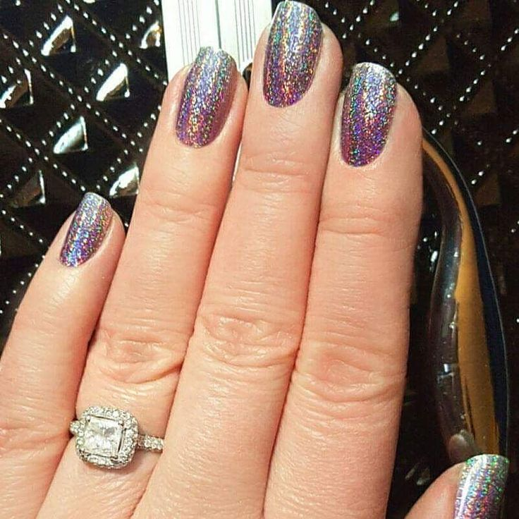 Roller Disco the stunning purple holographic wrap from July 2015's StyleBox is back for today only as part of Jamberry's After Christmas Sale!!! . This is one of ten retired StyleBox exclusives making a comeback today! These wraps are just $25 for two sheets (same great price as Stylebox!) that's 4 manicures and 4 pedicures!! Mix and match whichever designs you want or get two of this beauty! . Link in bio.