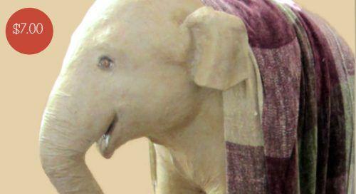 Modelo de bebé de tamaño natural del elefante indio para papel maché