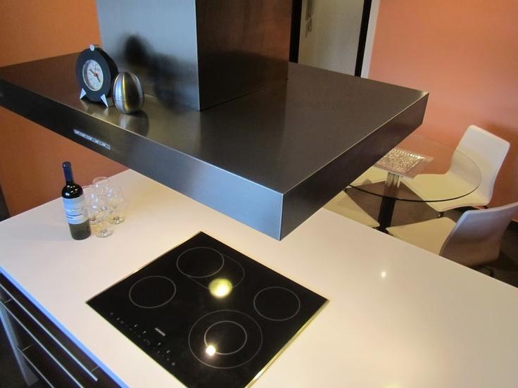 Dise o de cocina de punt de vista terrassa con campana - Campana extractora diseno ...