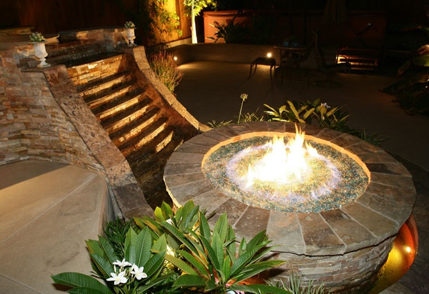 AMAZING water/fire featureDecor, Glasses Firepit, Pit Ideas, Outdoor Fire Pits, Outdoor Fire Wat, Amazing Water Fir, Water Firepit, Water Fir Pit Lights, Fire Wat Pit
