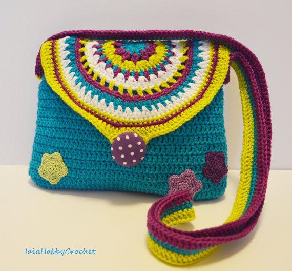 https://www.etsy.com/it/listing/261305933/little-girl-crochet-purse-crochet-purse