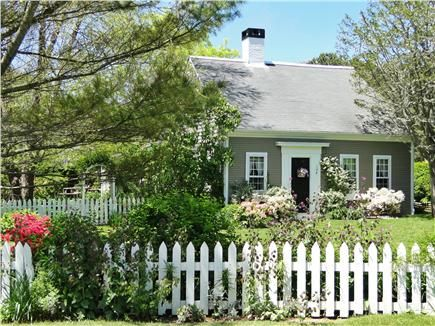 Charming Chatham Vacation Rental home in Cape Cod MA , 3/10 m. to Pleasant or Forest Street beaches. http://www.weneedavacation.com/Cape-Cod/Chatham-Vacation-Rental-3705/