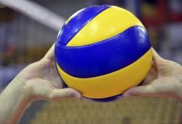 How to Set a Volleyball Perfectly   LIVESTRONG.COM