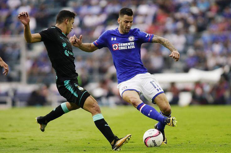 Cruz Azul da la vuelta al marcador y vence 2-1 a Santos