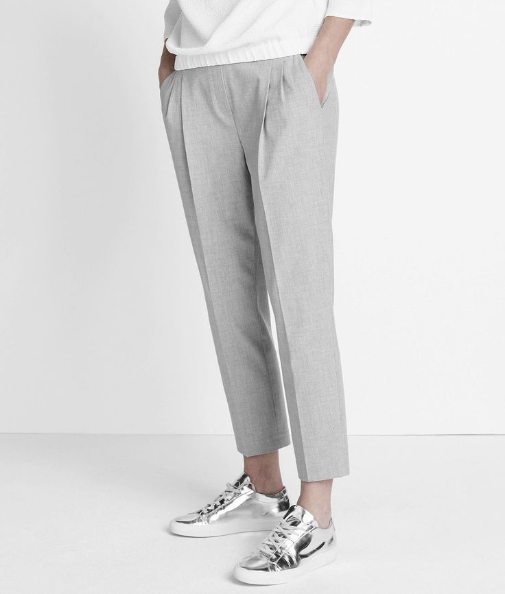 Grey trousers and silver sneakers. #hose #grau #schuhe #silber #sneakers #fashion #mode #style