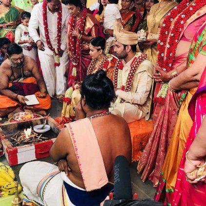 Actor Aadhav Kannadasan is Married now to Vinodhinie. #ActorAadhavKannadasan #StarsMarriage #StarsWedding #CineUpdate #ChennaiUngalKaiyil