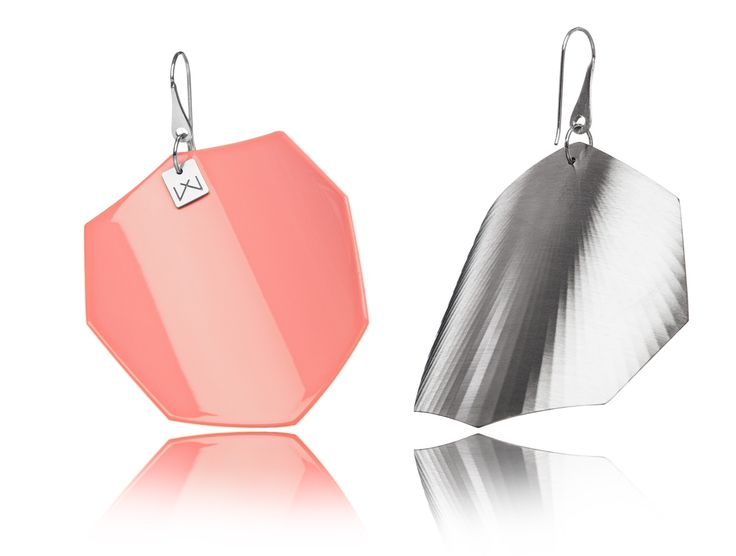 KORALPINK-OCTAGON-RHODIUM  Hanger: 925 STERLING silver with rhodium flashing.   Front part: colored, high gloss homogenous surface, UV-resistant.   Back part:  satin effect metal surface, rhodium coating (platinum flashing) in 3 layers.   Gloss preserving, wear-proof, oxidation resistant and anti-allergenic.  Available in three sizes: with a diameter of 4, 5 and 6 cms.