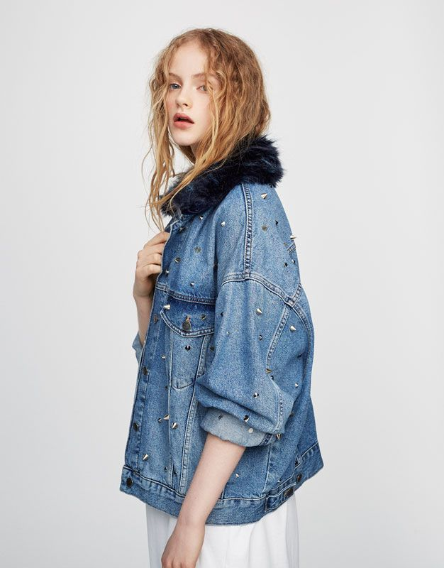 Studded denim jacket - Best sellers ❤ - Clothing - Woman - PULL&BEAR Greece