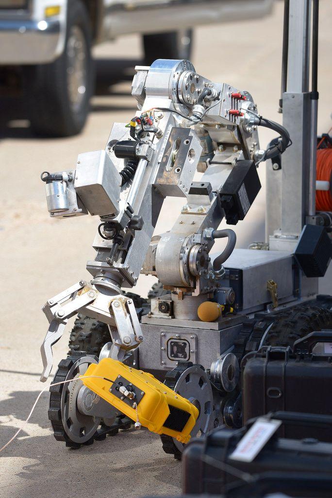 bomb disposal robot design pdf