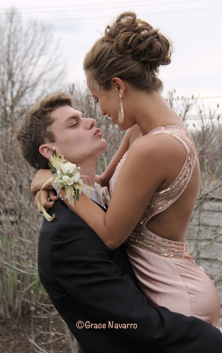 Prom couple pictures