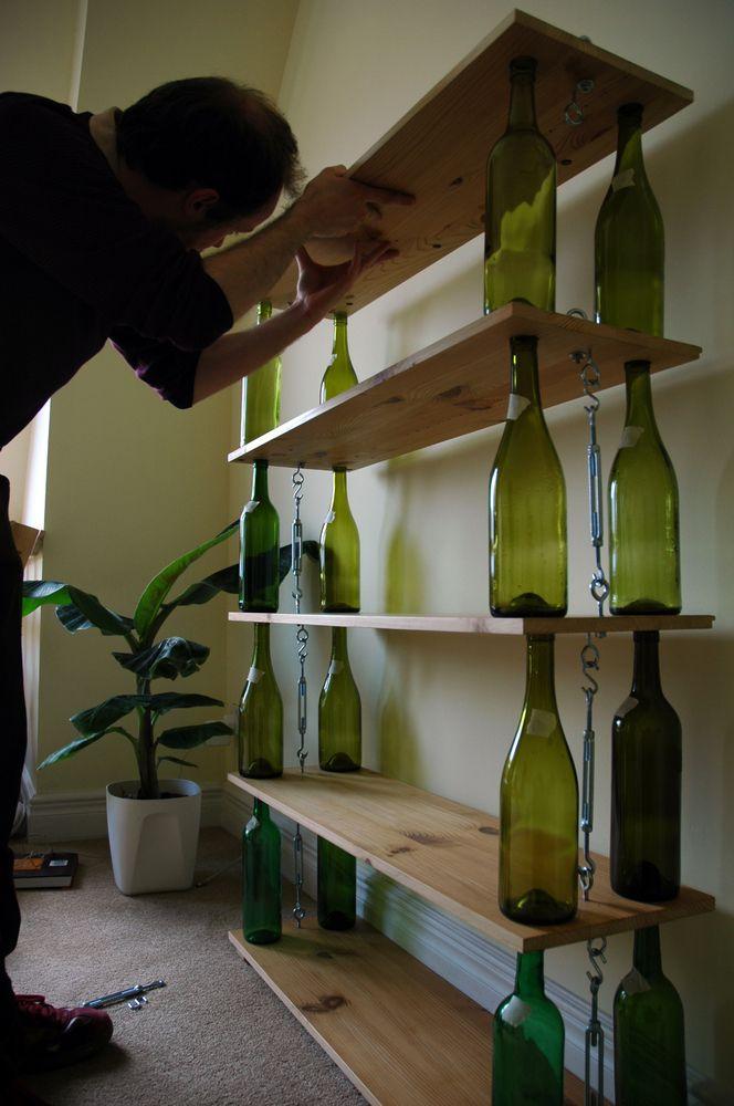 14 τρόποι για να μεταμορφώσετε τα άδεια μπουκάλια του κρασιού σε κάτι χρήσιμο και όμορφο