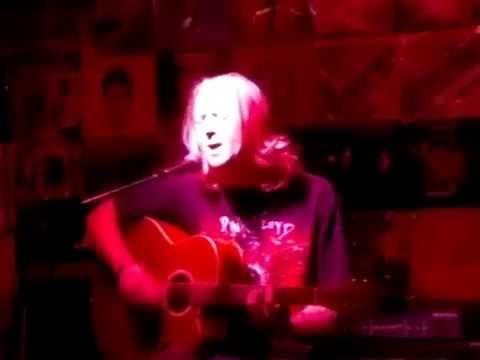 Quinton Tarr performing a really great cover of Nirvana's 'Lithium' ! ! !