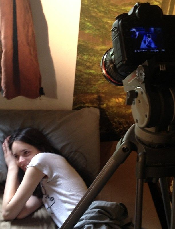 #StacyMartin Stacy Martin Behind the Scenes and her boyfriend Daniel Blumberg  are shooting a video clip, Hebronix - Viral