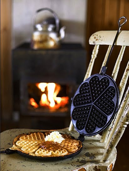 tumblr ll3m2f6mTZ1qei7a7o1 500 - Free Image Hosting & Photo Sharing | GalleryHosted: Woods Stoves, Brunch Receptions, Sweet, Winter, Breakfast, Heart Shape, Waffles Irons, Valentines Day, Memorial Mornings