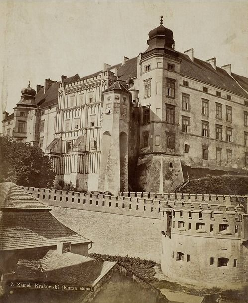 Krakow, Castle