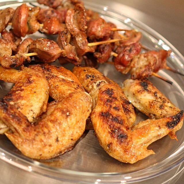 黒胡椒と塩だけで網焼きに。シンプルで美味しいです。 - 52件のもぐもぐ - 手羽先と砂ズリの塩胡椒焼 by poupon