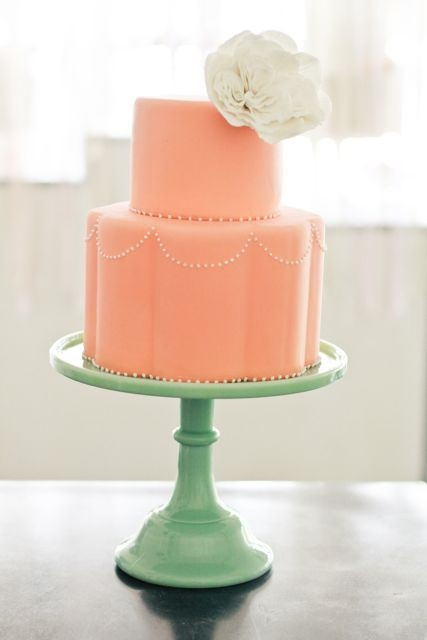 Love love love the simplicity of this cake.  I do not own this image.