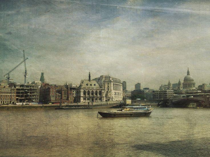 https://flic.kr/p/fbrmeX | Across the water | sarahjarrettart.blogspot.co.uk/2013/07/london-calling.html