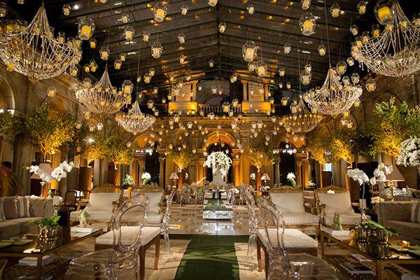 Casamento no Parque Lage Rio de Janeiro - velas suspensas e lustres ( Decoração: Daniel Cruz | Foto: Marina Fava )