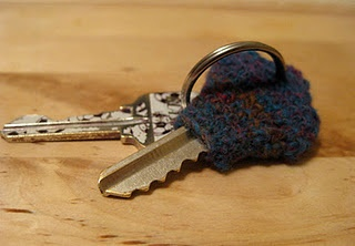 """Fabulous little tutorial.  I found this pattern by typing in """"crochet key cover"""" so there are lots more to take a look at if this one doesn't appeal to you."""