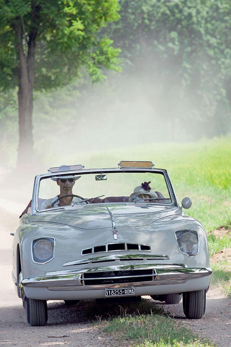"""Alfa Romeo """"6C 2500 Sport"""" cabriolet Ghia 1947. Conobbe i fasti della Roma di fine anni Quaranta, oggi esce solo la domenica"""