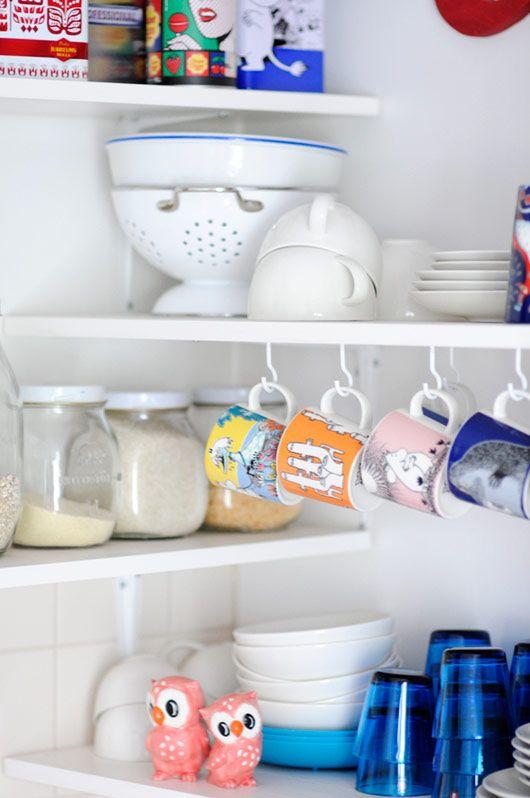 Corners of Home: Finland   decor8: Open Shelves, Interiors Design, Kitchens Ideas, Refrigerator, Corner Shelves, Kitchens Corner,  Icebox, Houses Design, Kitchens Organizations