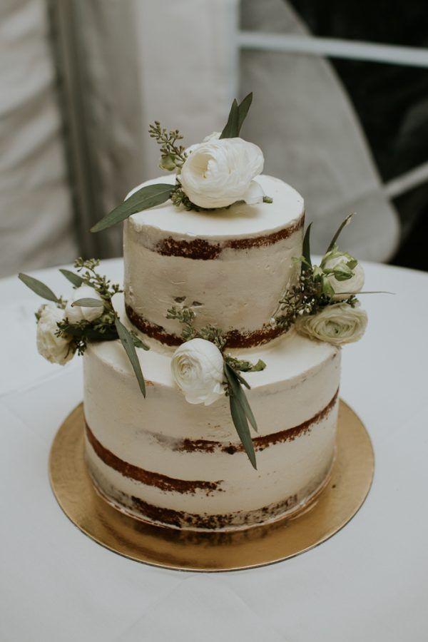 Minimalist and Budget-Friendly Wedding at Oatlands Historic House and Gardens | Junebug Weddings