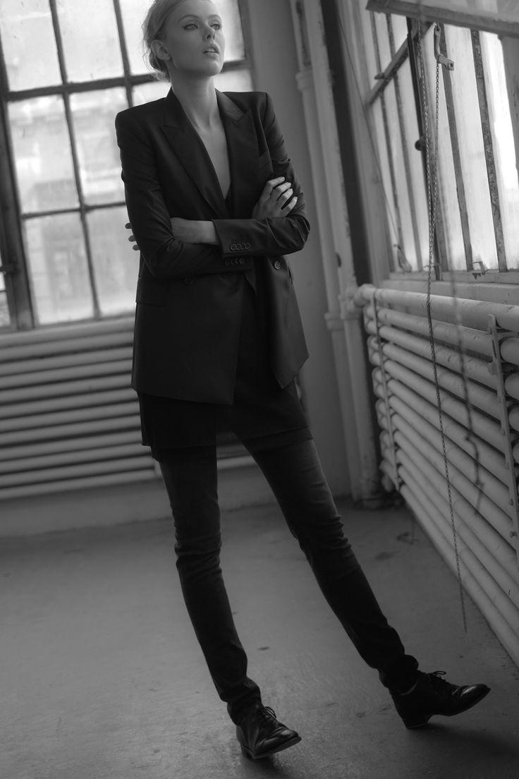 black classic suit - minimal