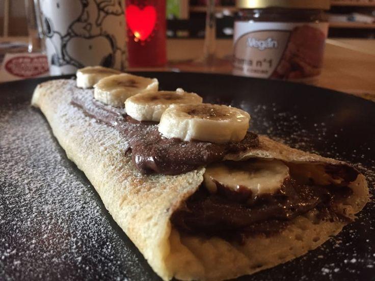 Come preparare le crepes dolci alla crema di cacao e nocciola con banane.