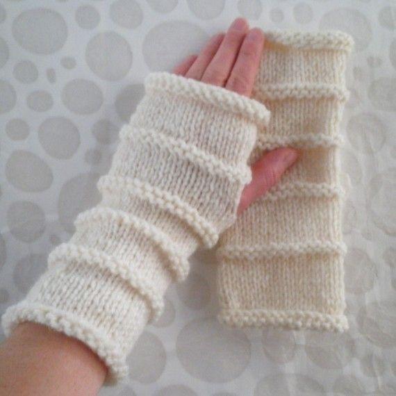 Easy Knit Mittens Pattern : KNITTING PATTERN/OSLO Fingerless Gloves Easy Knit Glove Aran Simple Glove Pat...