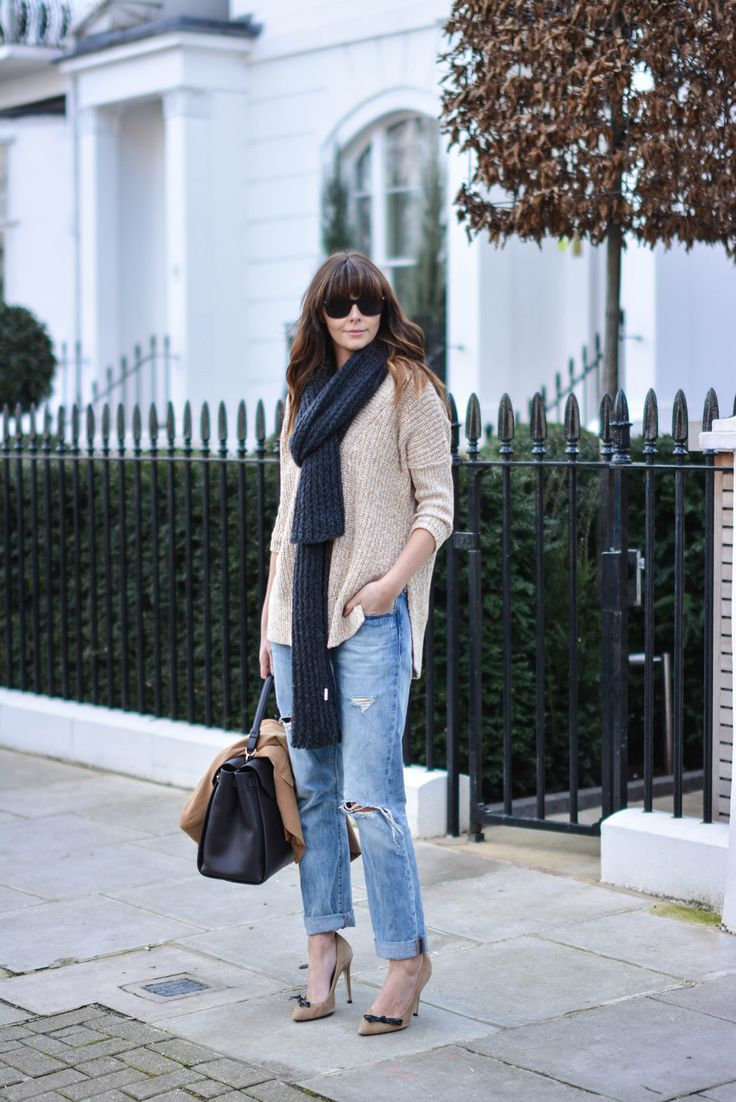 weekend casual outfit, boyfriend jeans, slouchy jumper, scarf, camel court shoes, davidoff bag