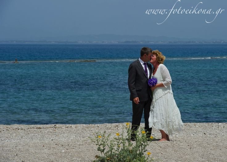 Love never gets old. Wedding photography on a beautiful beach #Lefkas #Ionian #Greece #wedding #weddingdestination Eikona Lefkada Stavraka Kritikos