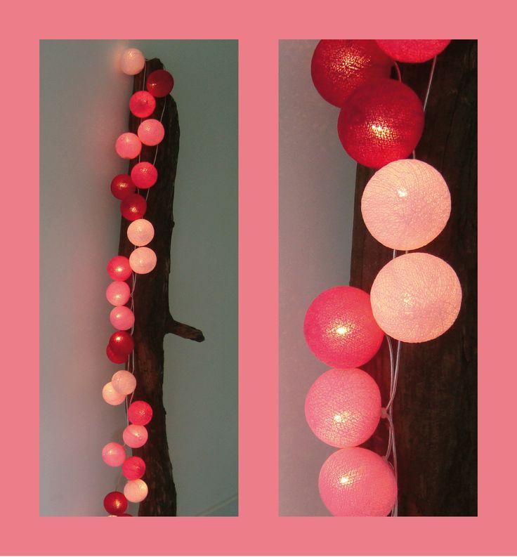Roze lichtslinger met 35 Cotton Balls in 4 verschillende kleuren voor opvallende sfeerverlichting in huis!
